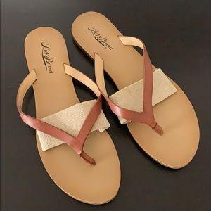 Lucky Brand Leather Flip Flops